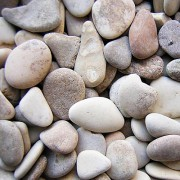 Камни, галька .